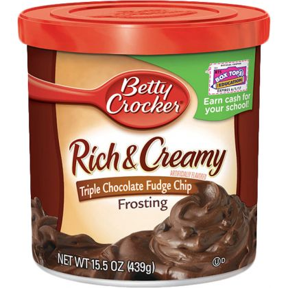 Betty Crocker Rich And Creamy Triple Chocolate Fudge Chip Frosting (439gm)
